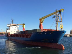 332' Geared Cargo Ship