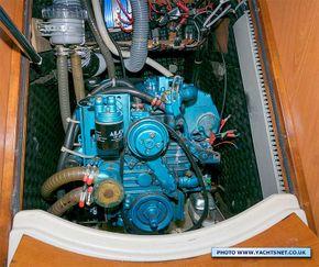 Nanni diesel - alternator being replaced