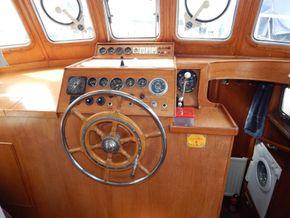 Dutch Steel Cruiser fly bridge - Helm