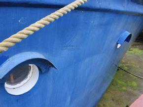 Houseboat purpose built 20m  - Hull Close Up