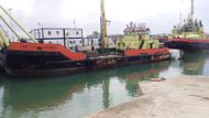 Self Propelled crane barge