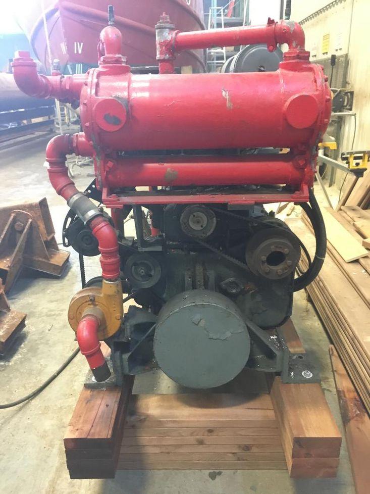 Cummins NHMR Marine Engine Running Takeout