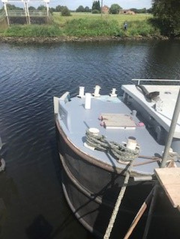 Converted Barge 85ft x 17ft 6ins