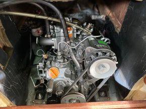 Hurley 22 R - Engine