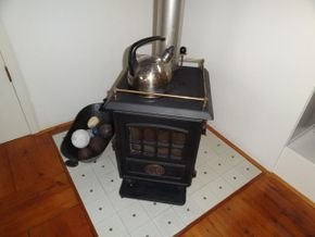 Oil burning stove