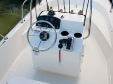 Boston Whaler - 170 MONTAUK