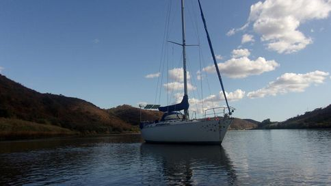 Moody 42 cc with Mooring