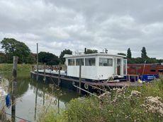 Annie Jane  - Houseboat/Retired Thames Lighter Barge