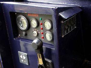 Engine/Bowthruster Controls