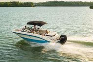 2022 Sea Ray 210 SPXE Outboard
