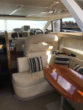 Lounge & inside drive