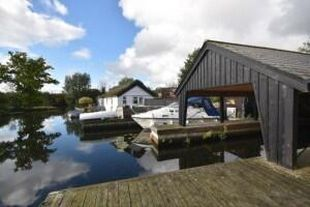 Mooring w. Boat House, Horning, Norfolk