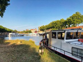Moored in Carcassonne