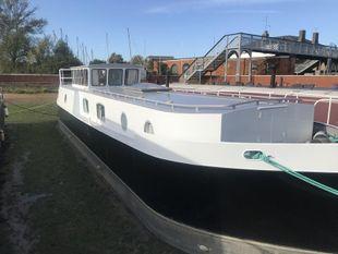 2 Bedroom Houseboat, Woodbridge
