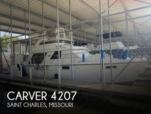 1991 Carver 4207 Aft Cabin