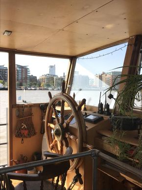 Houseboat Rock River Thames