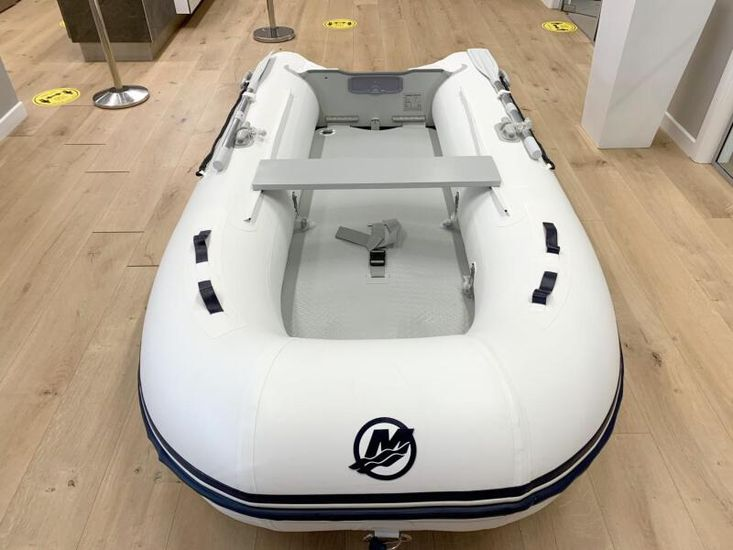 2020 Quicksilver 300 AIRDECK