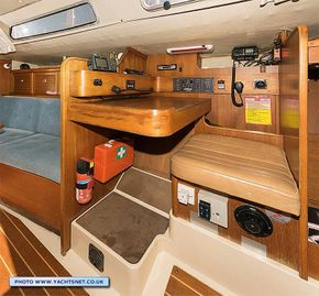 Saloon starboard