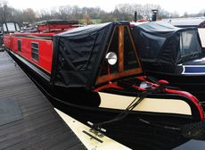 Gorgeous 58' Trad with an option of a mooring at Roydon Marina Village