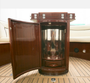 Carine Yachts  - Luxury Yacht Brokerage | VENEGY    37 2003 Estonia 2003 | Photo 10