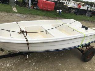 Rowing motorboat