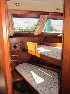 Linssen 38 SC  - Forward Cabin