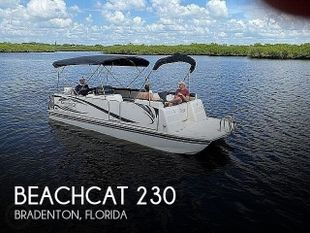 2019 Beachcat 230