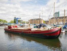 1914 Dutch Barge 25m with London mooring