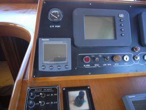 Trader 47 Sundeck with BJ Marine