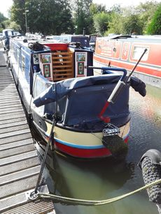 Cruiser stern narrow boat