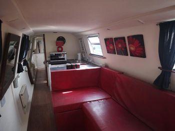 48ft modern boat