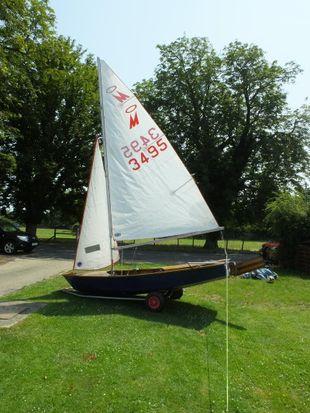 Miracle Sailing Dinghy  Sail Number 3495