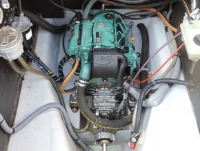 Nicols Estivale Quattro Canal and river cruiser - Engine