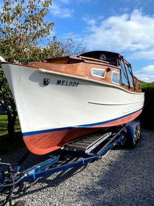 Melody 27ft 1962 Johnson and Jago 4 berth river cruiser