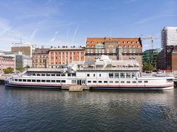 900 pax restaurant ship/barge, nightclub, business event. Keen seller.