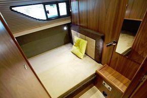 Haines 42 Elegance Mid Cabin