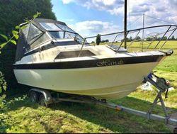 Picton 22 ft Cabin Cruiser - Hanali