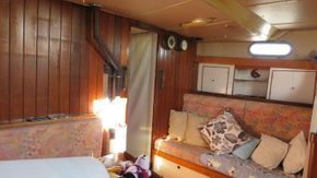 starboard side main cabin