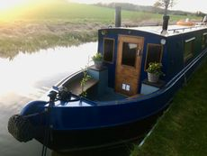 1987 62' Colecraft with bright & spacious bespoke fit out