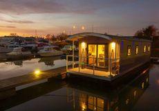 River Pod House Boats