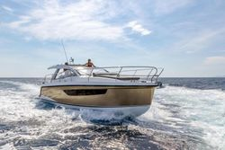 2022 Sealine S335V