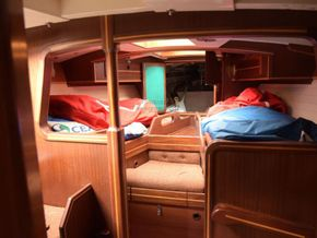 Wooden  Custom Wood-epoxy classic cruising sailboat - Forward Cabin