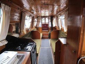 Narrowboat 42ft with Mooring  - Looking Forward