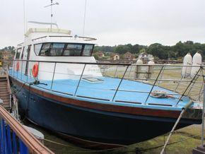 Houseboat purpose built 20m  - Main Photo