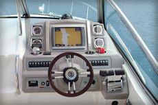 Chaparral 310 Signature Cruiser