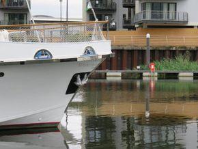 Cantieri navali Chiavari 22 Metre  - Bow