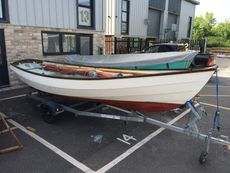 DRASCOMBE LUGGER  -  BY HONNOR