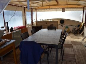 Barge Conversion live aboard barge with pool - Deck