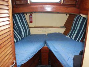 Wallace Clark Gentlemans Motor Yacht  - Forward Cabin