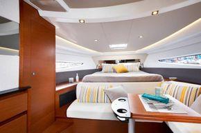 Jeanneau Leader 36 diesel sports cruiser - forward cabin plus settee and table